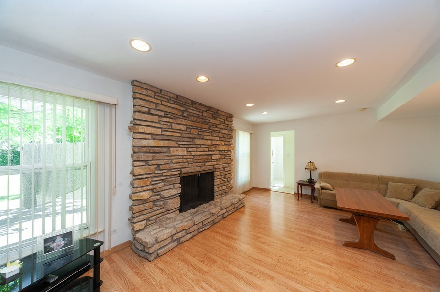 Real Estate Photography - 3920 Miller Dr, Glenview, IL, 60025 - Family Room
