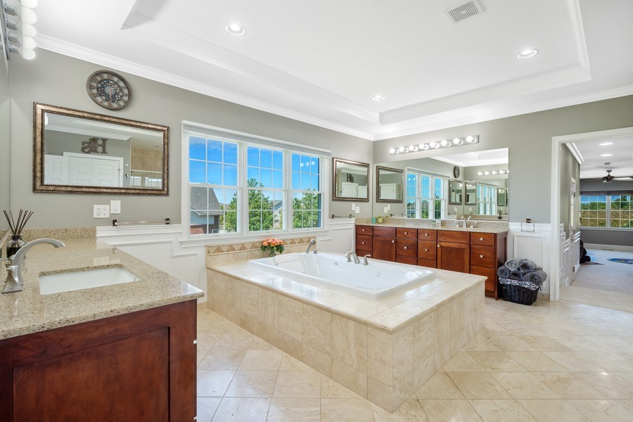Real Estate Photography - 84 Tournament Dr N, Hawthorn Woods, IL, 60047 - Master Bathroom