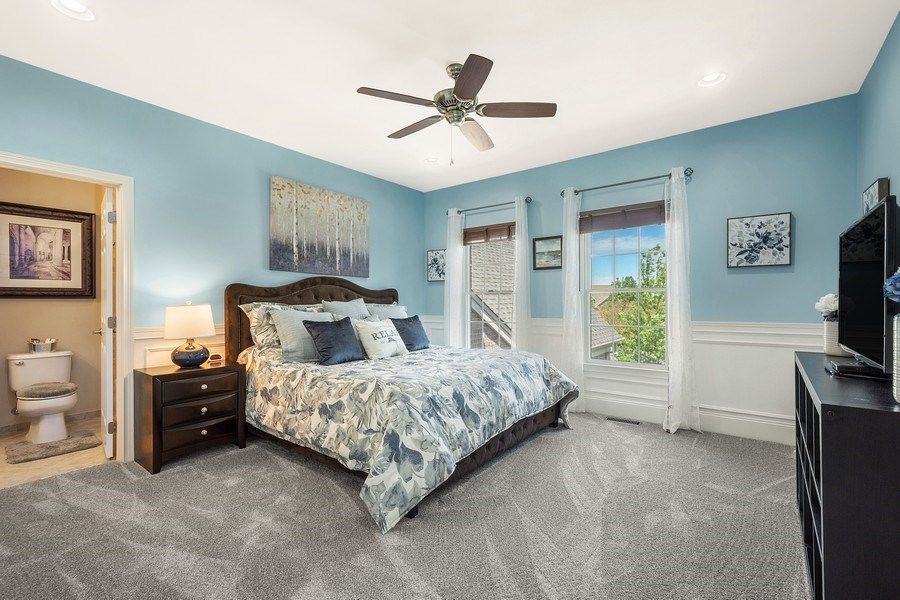Real Estate Photography - 84 Tournament Dr N, Hawthorn Woods, IL, 60047 - Guest Bedroom