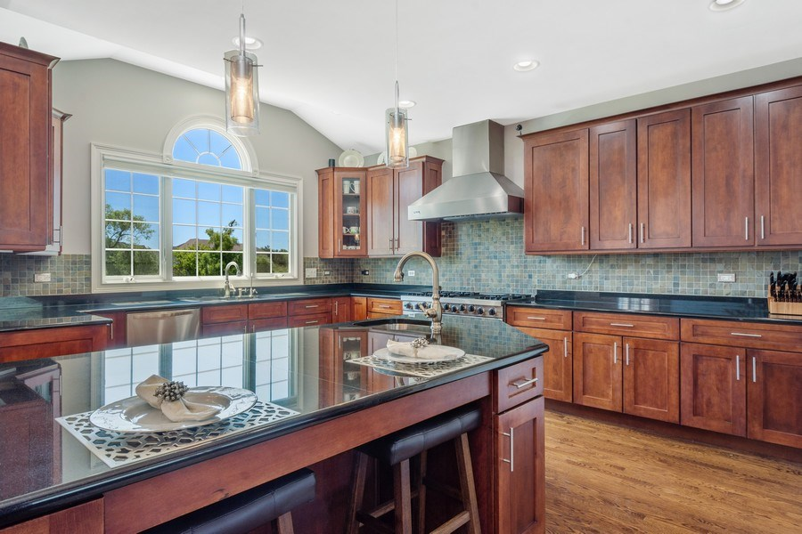Real Estate Photography - 84 Tournament Dr N, Hawthorn Woods, IL, 60047 - Kitchen