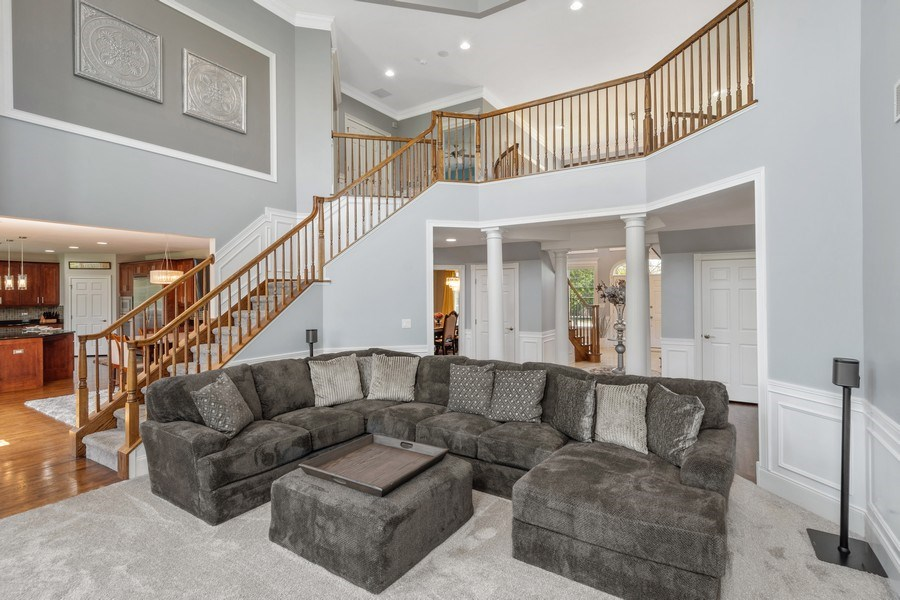 Real Estate Photography - 84 Tournament Dr N, Hawthorn Woods, IL, 60047 - Great room
