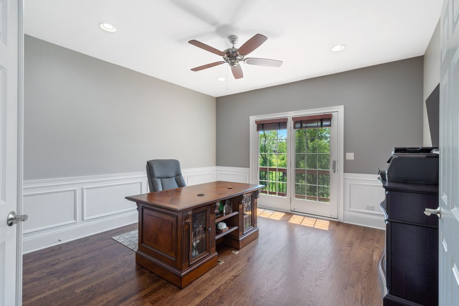 Real Estate Photography - 84 Tournament Dr N, Hawthorn Woods, IL, 60047 - Office