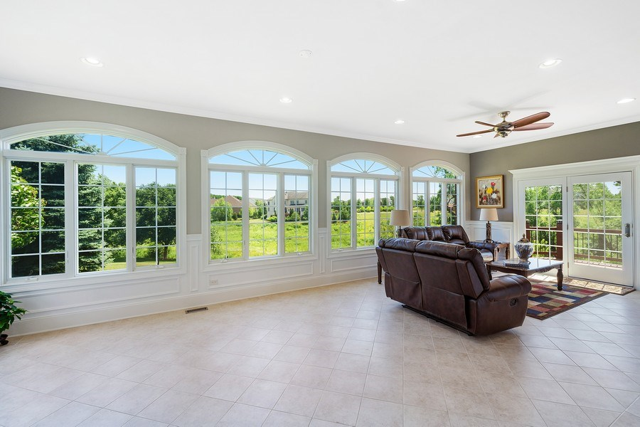 Real Estate Photography - 84 Tournament Dr N, Hawthorn Woods, IL, 60047 - Sunroom