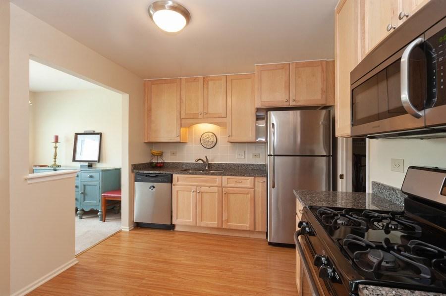 Real Estate Photography - 1602 Warwick, B1, Wheeling, IL, 60090 - Kitchen