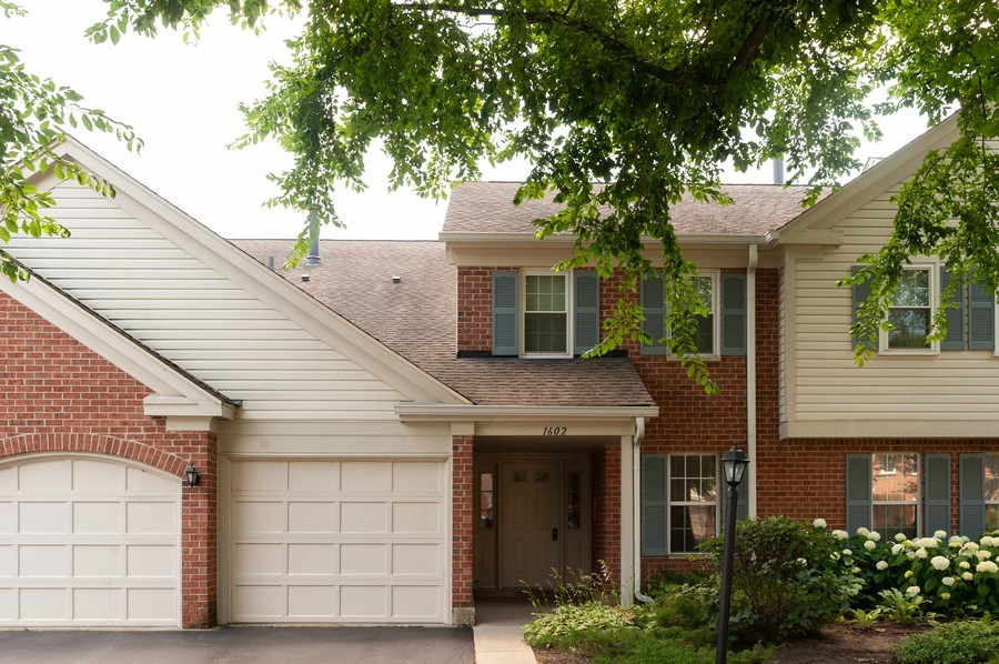 Real Estate Photography - 1602 Warwick, B1, Wheeling, IL, 60090 - Front View