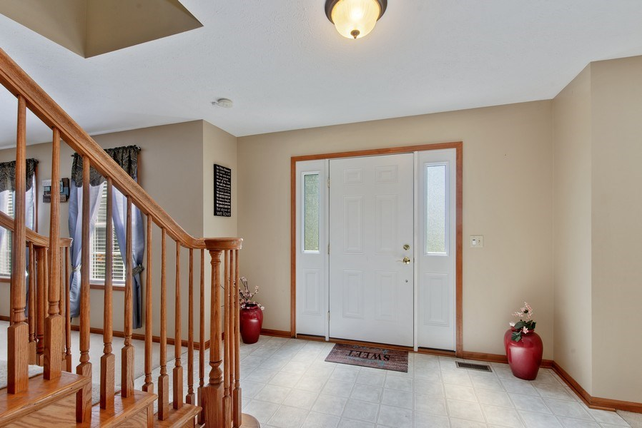 Real Estate Photography - 8960 Birdie Bend, Belvidere, IL, 61008 - Foyer