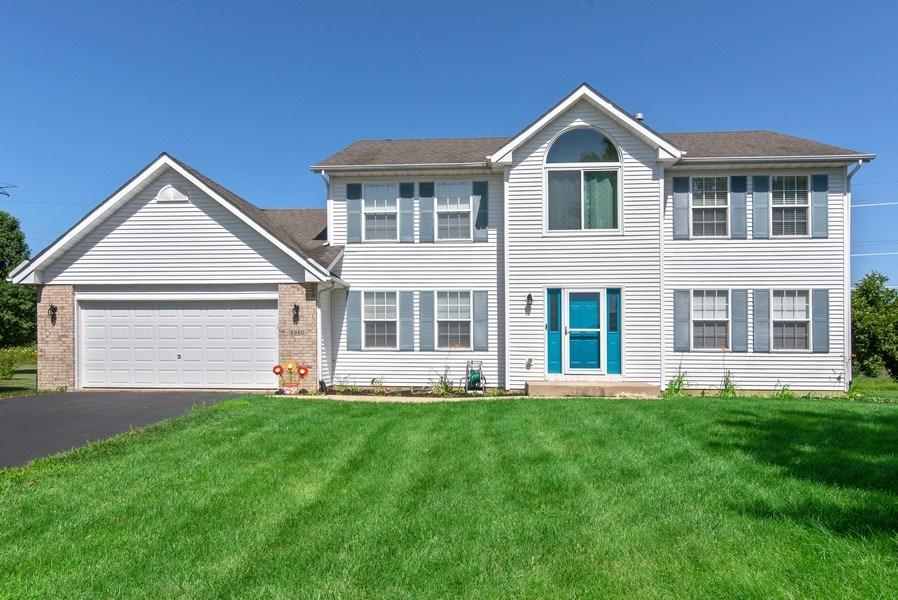 Real Estate Photography - 8960 Birdie Bend, Belvidere, IL, 61008 - Front View