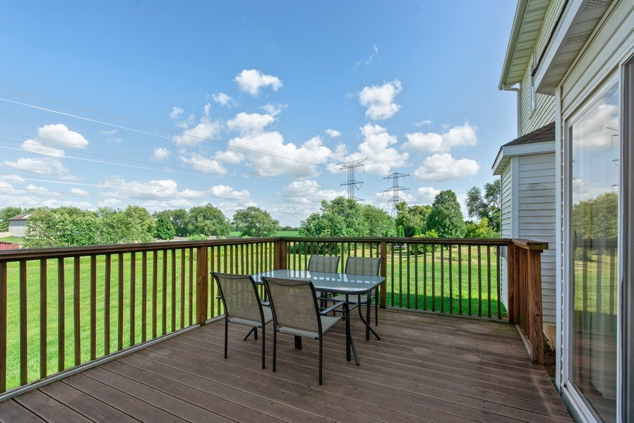 Real Estate Photography - 8960 Birdie Bend, Belvidere, IL, 61008 - Deck