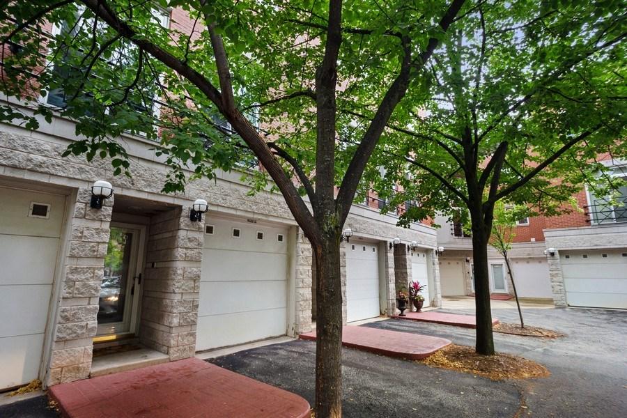 Real Estate Photography - 1522 S Prairie, Unit D, Chicago, IL, 60605 - Front View