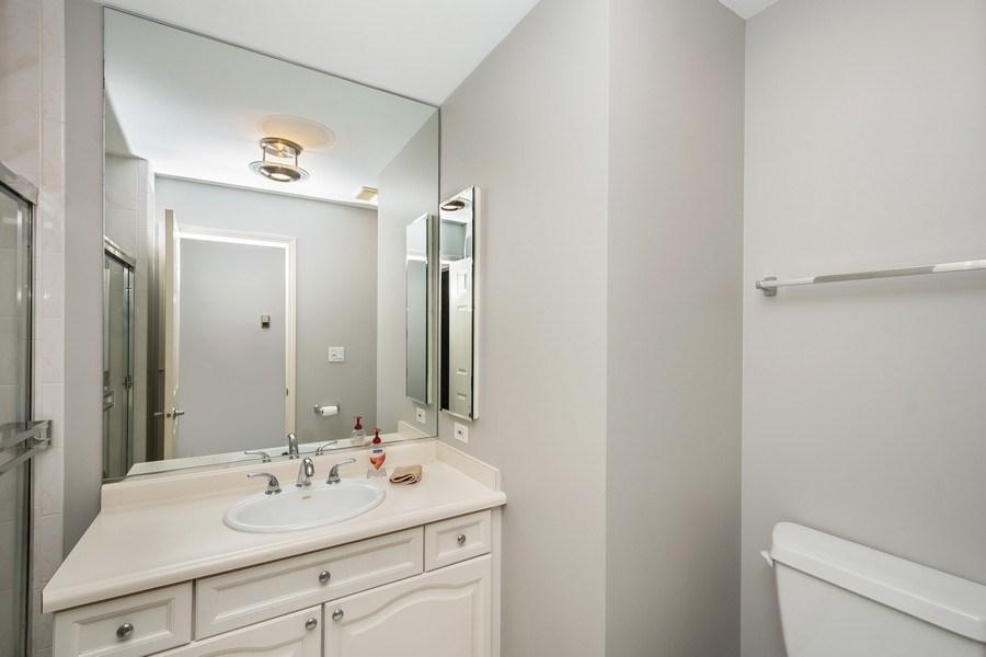 Real Estate Photography - 1522 S Prairie, Unit D, Chicago, IL, 60605 - Bathroom