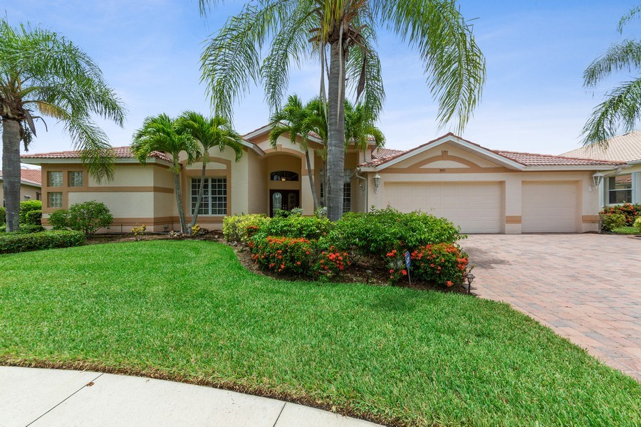Real Estate Photography - 7957 Gator Palm Dr, Fort Myers, FL, 33966 - Front View
