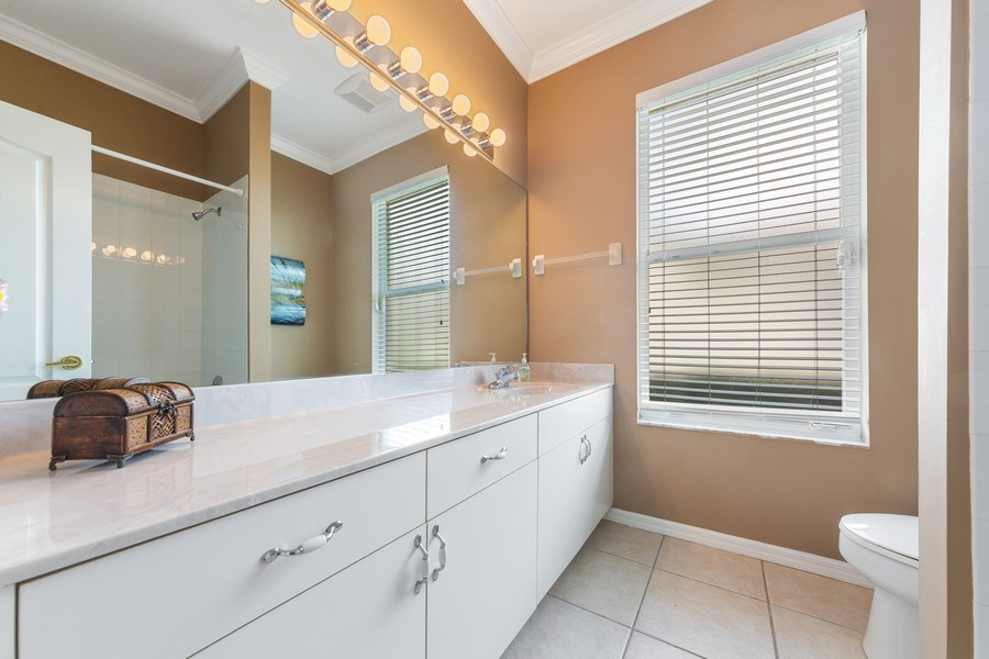 Real Estate Photography - 7957 Gator Palm Dr, Fort Myers, FL, 33966 - 2nd Bathroom
