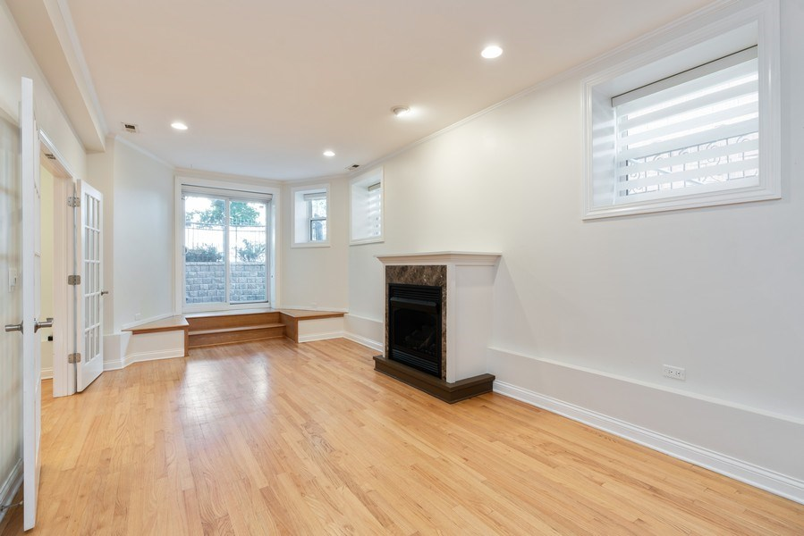 Real Estate Photography - 5482 S Woodlawn Ave, Chicago, IL, 60615 - Living Room