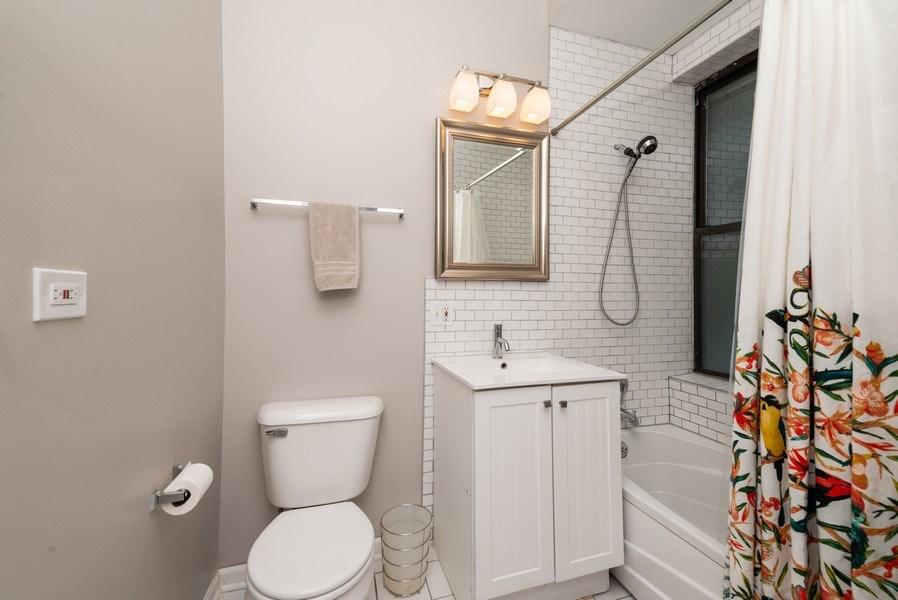 Real Estate Photography - 1712 W Wilson Ave, Unit 3E, Chicago, IL, 60640 - Master Bathroom