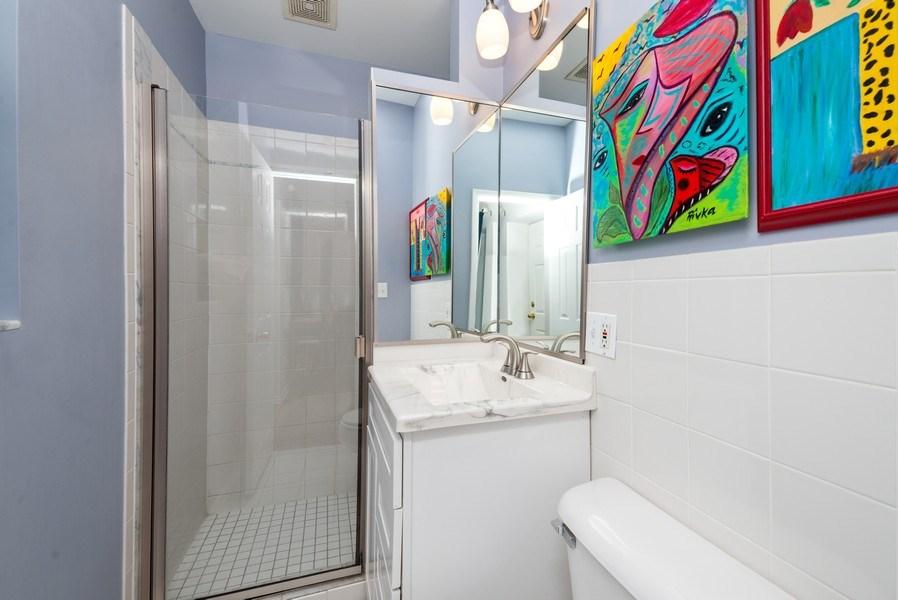 Real Estate Photography - 1712 W Wilson Ave, Unit 3E, Chicago, IL, 60640 - Bathroom
