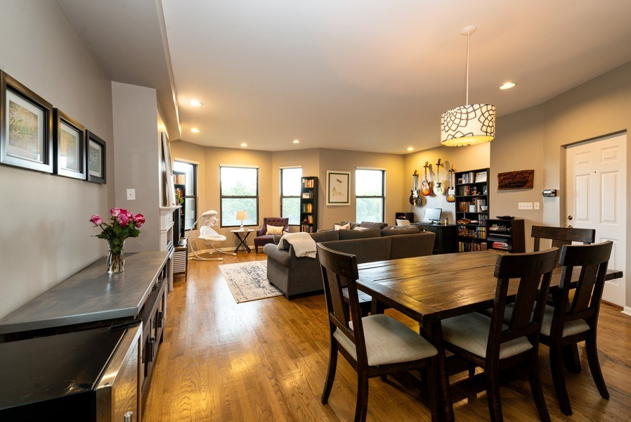 Real Estate Photography - 1712 W Wilson Ave, Unit 3E, Chicago, IL, 60640 - Living Room / Dining Room