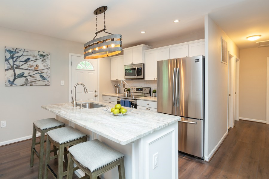 Real Estate Photography - 7805 Green St, Clinton, MD, 20735 - Kitchen