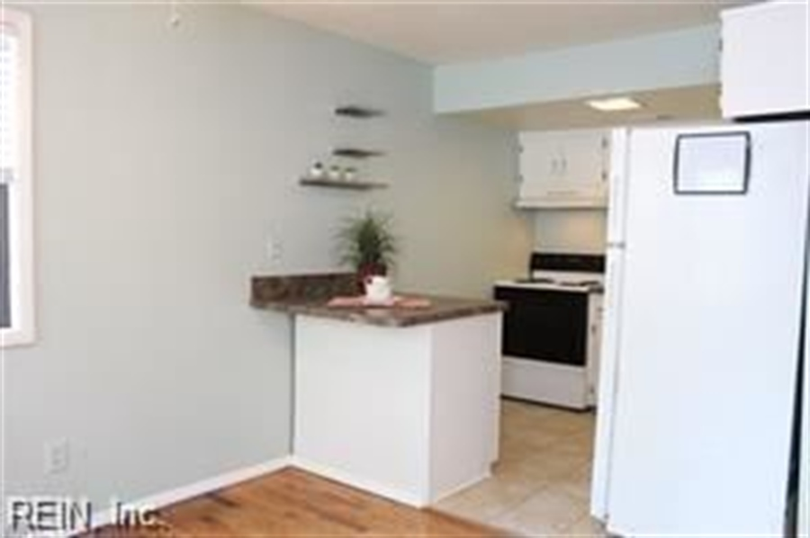Real Estate Photography - 808 Colley Ave, # 3A, Norfolk, VA, 23507 - Location 11