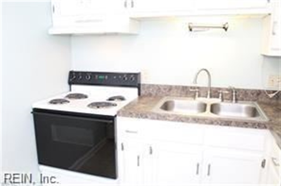 Real Estate Photography - 808 Colley Ave, # 3A, Norfolk, VA, 23507 - Location 13