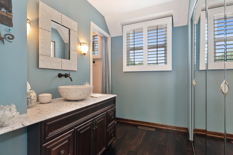 Real Estate Photography - 1810 N Dale Ave, Arlington Heights, IL, 60004 - Master Bathroom