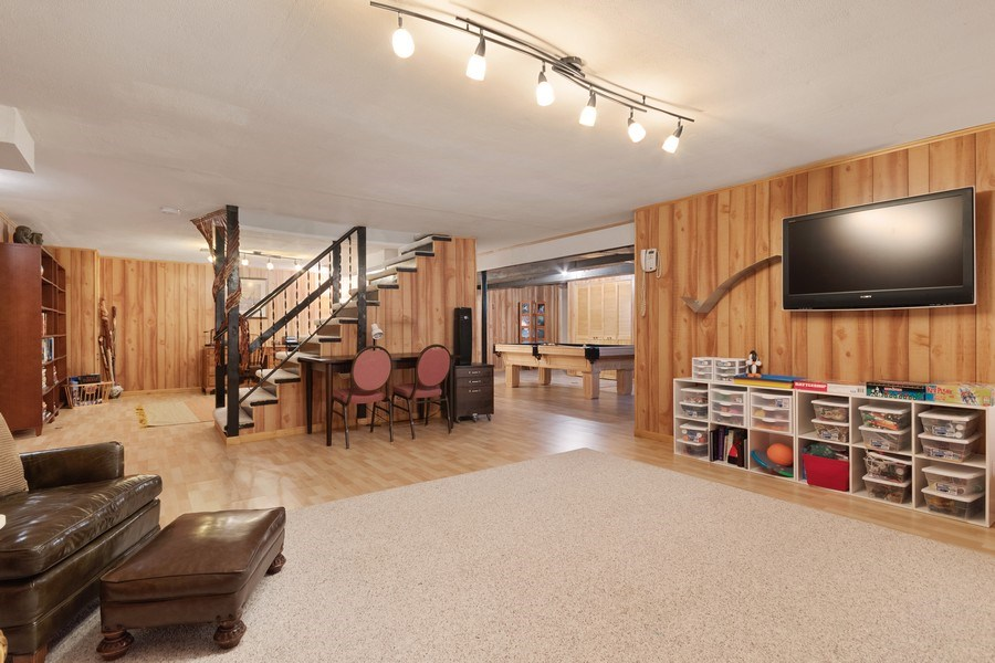 Real Estate Photography - 1810 N Dale Ave, Arlington Heights, IL, 60004 - Lower Level