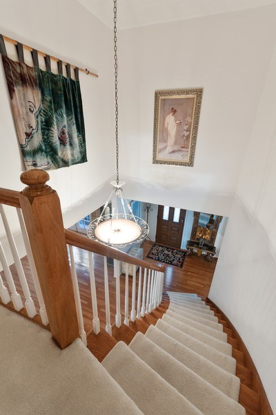 Real Estate Photography - 1810 N Dale Ave, Arlington Heights, IL, 60004 - Staircase