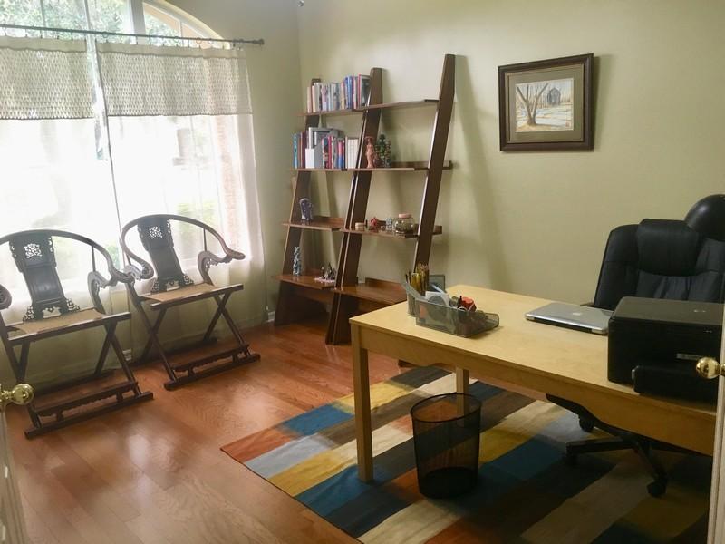 Real Estate Photography - 10417 Greenhedges Dr, Tampa, FL, 33626 - Office/Den
