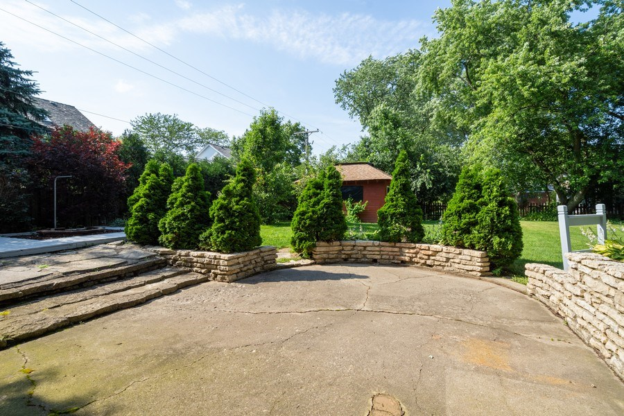 Real Estate Photography - 902 E Main St., Barrington, IL, 60010 - Patio