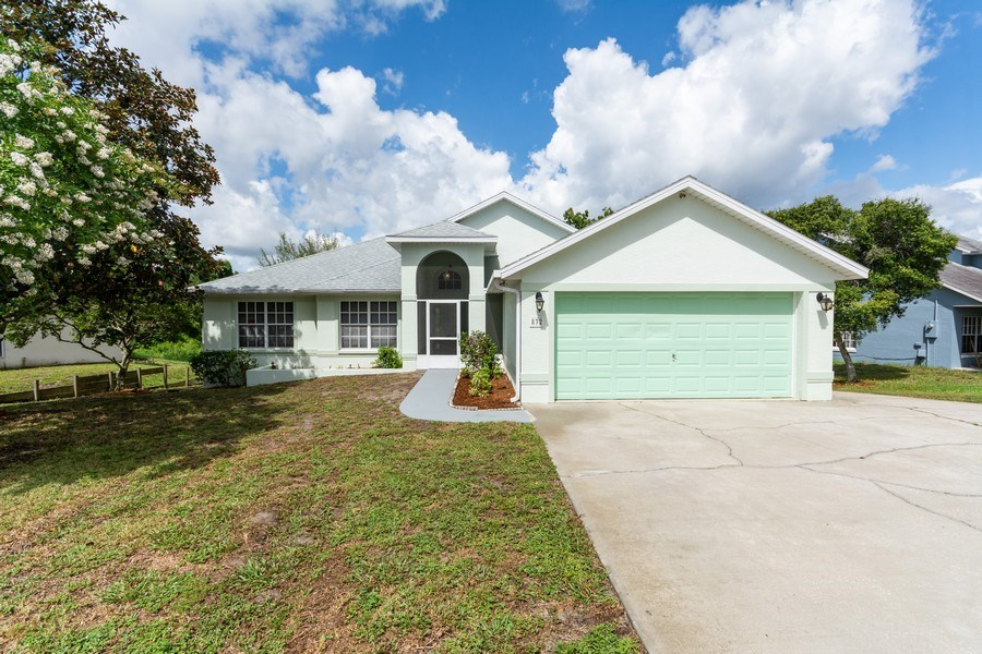Real Estate Photography - 832 Parkwood Ave, Titusville, FL, 32796 - Front View