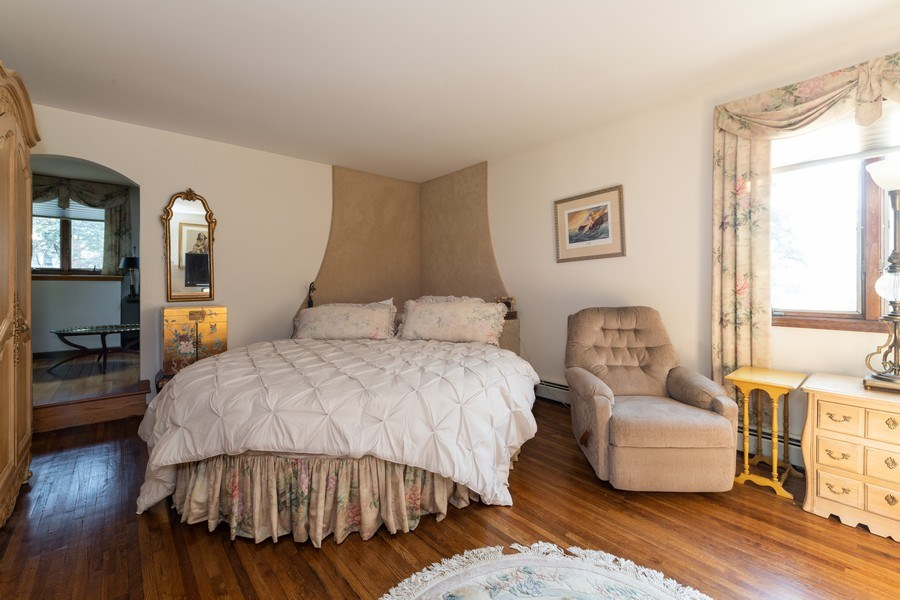 Real Estate Photography - 6 Incognito Ln, Ossining, NY, 10562 - Master Bedroom