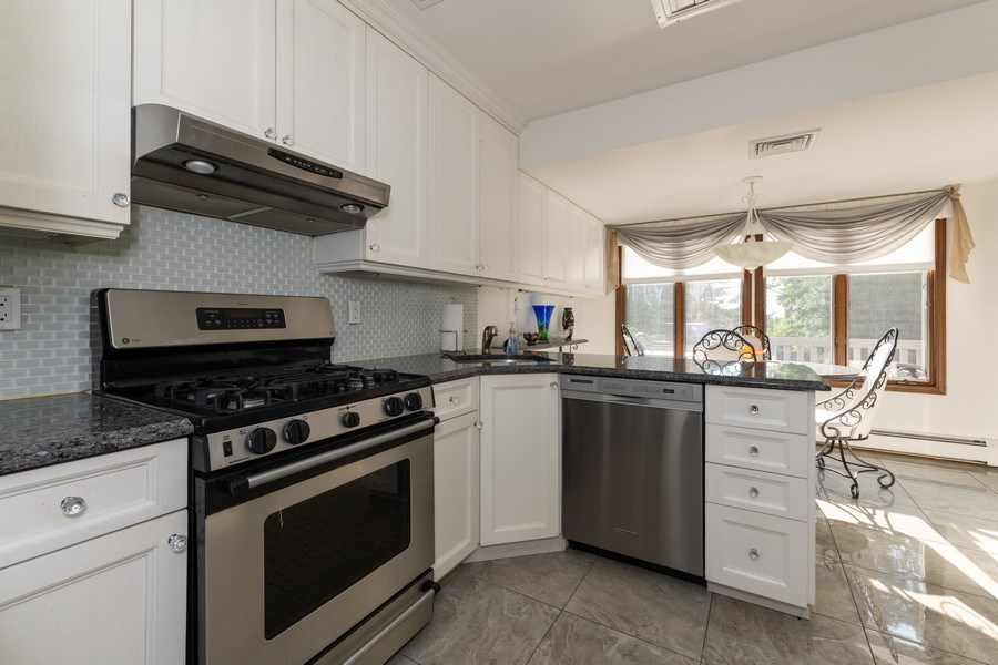 Real Estate Photography - 6 Incognito Ln, Ossining, NY, 10562 - Kitchen