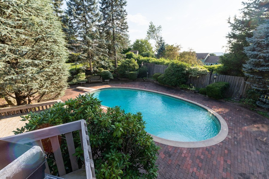 Real Estate Photography - 6 Incognito Ln, Ossining, NY, 10562 - Pool