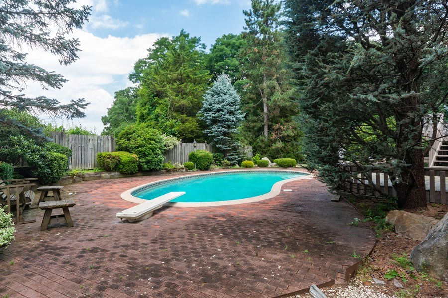 Real Estate Photography - 6 Incognito Ln, Ossining, NY, 10562 - Side View