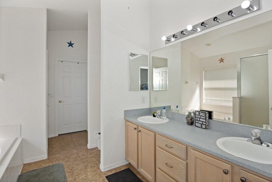 Real Estate Photography - 2508 Oneida Loop, Kissimmee, FL, 34747 - Master Bathroom