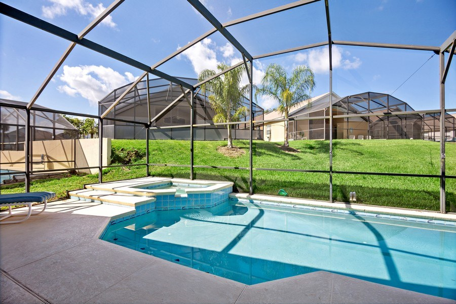 Real Estate Photography - 2508 Oneida Loop, Kissimmee, FL, 34747 - Pool