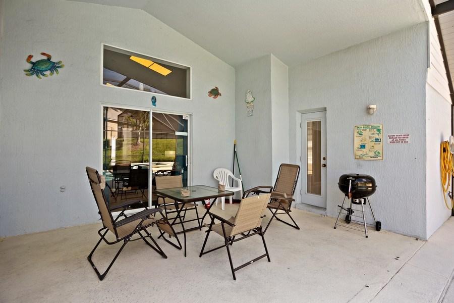 Real Estate Photography - 2508 Oneida Loop, Kissimmee, FL, 34747 - Patio