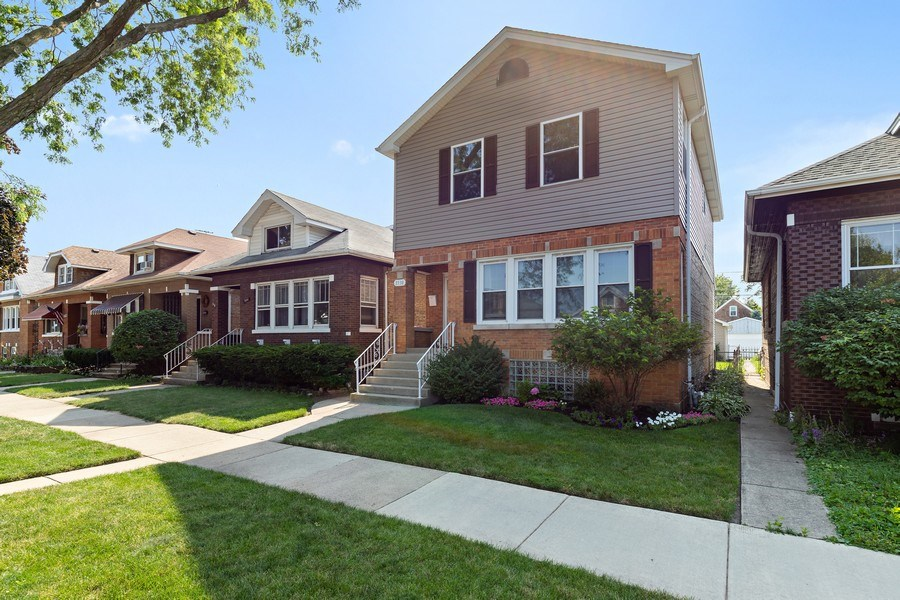 Real Estate Photography - 3538 Elmwood ave, Berwyn, IL, 60402 - Front View
