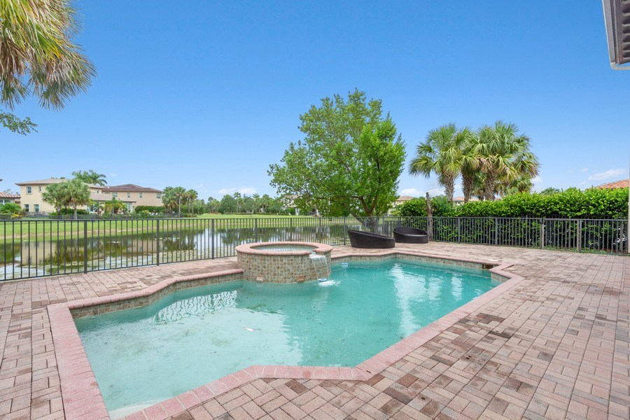 Real Estate Photography - 8146 NW 124th Ter, Parkland, FL, 33076 - Pool