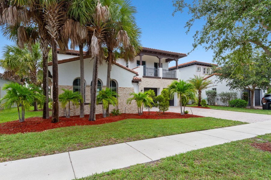 Real Estate Photography - 8146 NW 124th Ter, Parkland, FL, 33076 - Front View