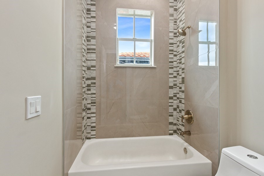 Real Estate Photography - 8146 NW 124th Ter, Parkland, FL, 33076 - 2nd Bathroom