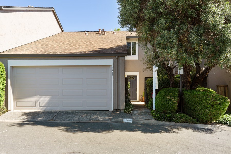 Real Estate Photography - 909 Sycamore Drive, Novato, CA, 94945 - Front View