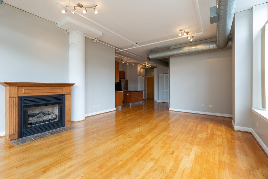 Real Estate Photography - 111 S Morgan, Chicago, IL, 60607 - Kitchen / Living Room