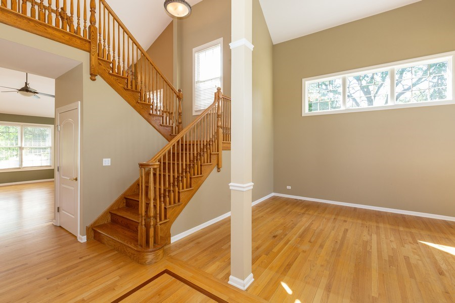 Real Estate Photography - 9106 Turnberry Trl, Lakewood, IL, 60014 - Staircase