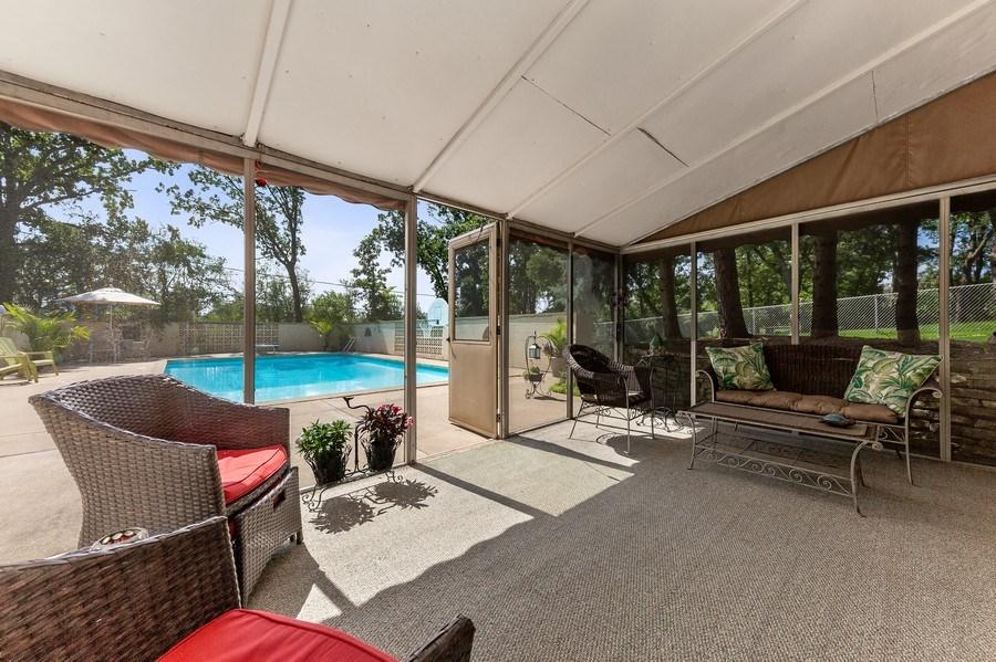 Real Estate Photography - 9 Woodridge, Oakbrook, IL, 60126 - Screened Porch
