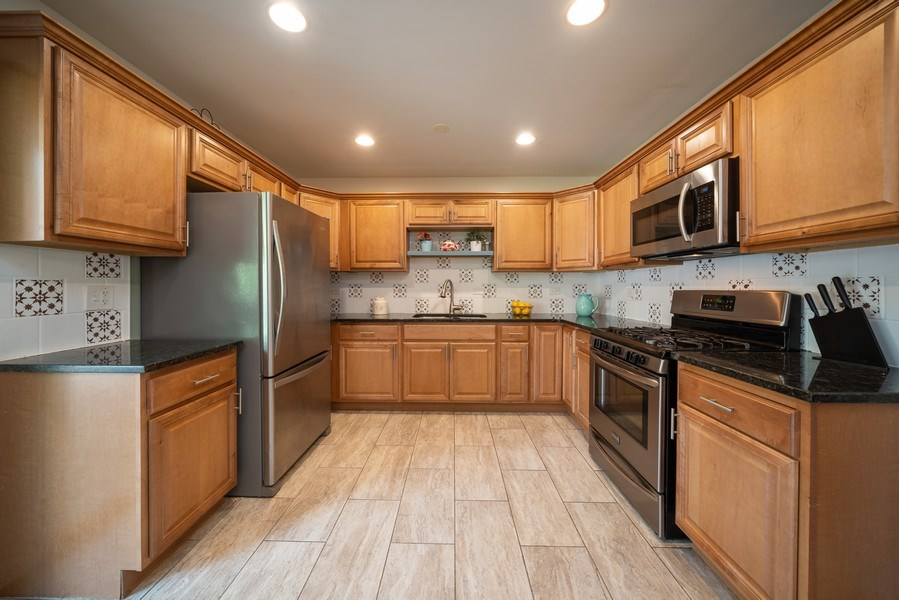 Real Estate Photography - 963 N Highland Ave, Aurora, IL, 60506 - Kitchen