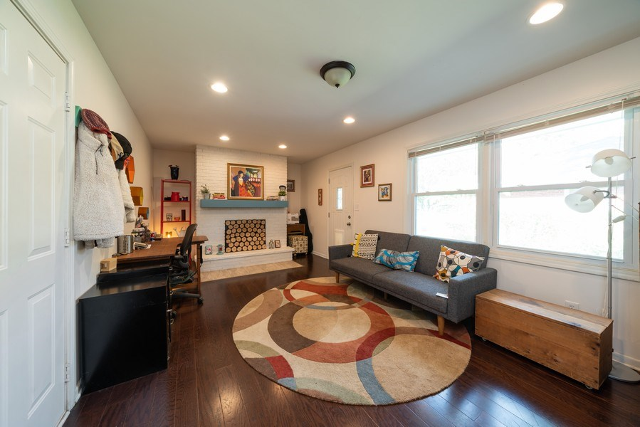 Real Estate Photography - 963 N Highland Ave, Aurora, IL, 60506 - Family Room