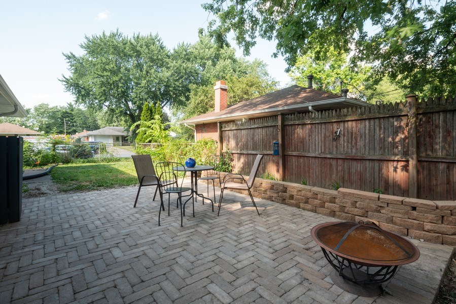 Real Estate Photography - 963 N Highland Ave, Aurora, IL, 60506 - Patio