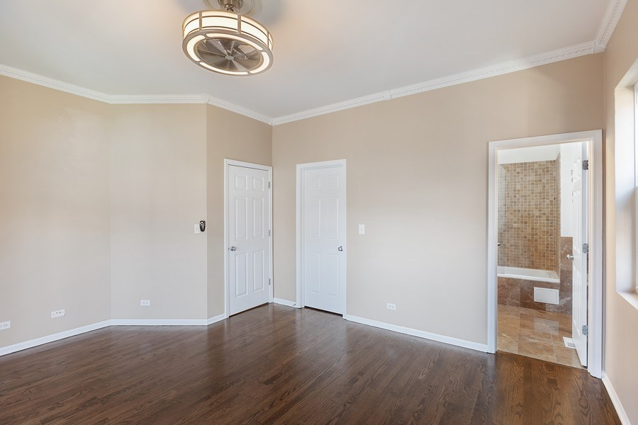 Real Estate Photography - 4431 S Calumet, 1N, Chicago, IL, 60653 - Master Bedroom