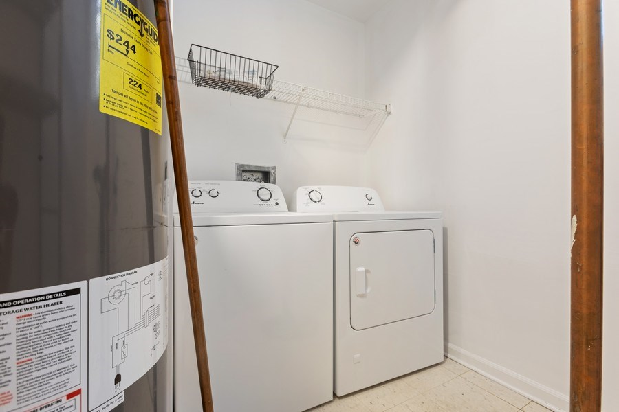 Real Estate Photography - 4431 S Calumet, 1N, Chicago, IL, 60653 - Laundry Room
