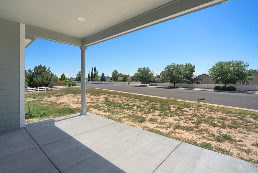 Real Estate Photography - 401 Cascade Ct, Johnstown, CO, 80534 - Porch
